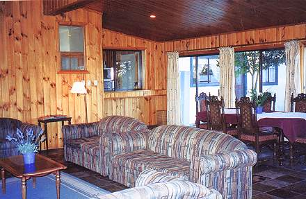 Cottage Lounge